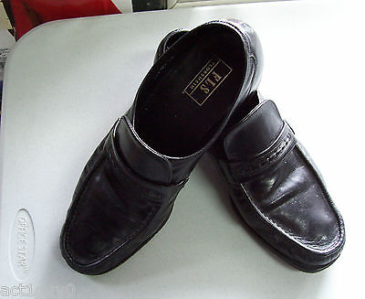 Men's FLORSHEIM  SHOES -Black LEATHER Loafers Shoes- Formal, everyday- size 11.5
