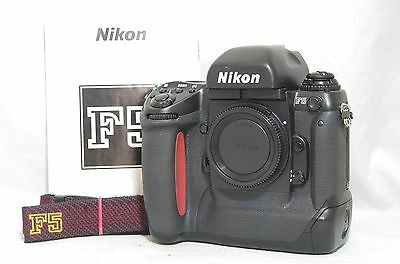 Nikon F5 35mm SLR Film Camera Body Only SN3186733 w/Manual, Strap from Japan