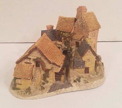 BROOKSIDE HAMLET DAVID WINTER Made and Hand Painted in Great Britain Collectible