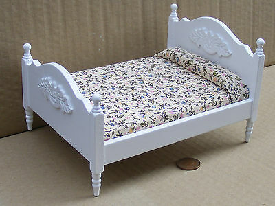 1:12 Scale White Coloured Double Bed Dolls House Miniature Bedroom DF253Wh