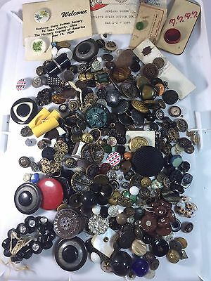 Estate Lot Over 200 +++ Antique Vintage Victorian Collectible Buttons