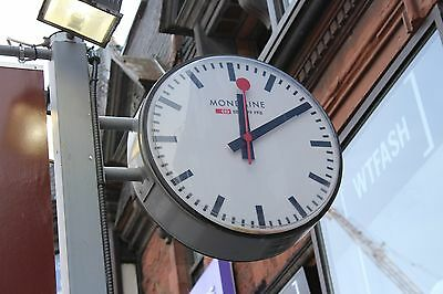 Outdoor GPScommercial clock 2 side 60cm, 24 inches used in  very good cond.