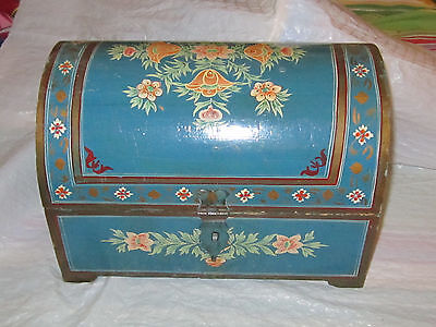 BEAUTIFUL ANTIQUE WOOD PAINTED BRIDES BOX ?  dutch ?  domed lid