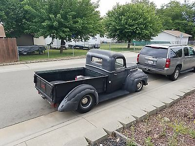 1947 Ford F-100  1947 Ford pickup