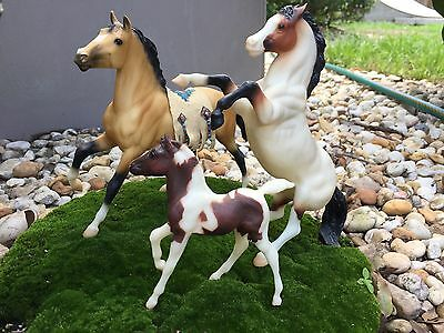 Breyer horses mustang family. Semi-Rearing stallion, Mare, and Foal #649