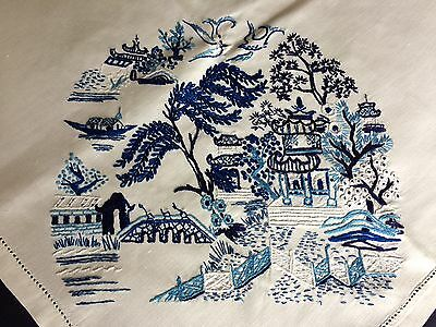 Superb Vintage Hand Embroidered Blue Willow Pattern White Cotton Tablecloth