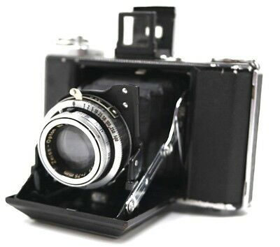 ZEISS IKON IKONTA 521/16 CAMERA WITH ZEISS OPTON Tessar 75MM Lens