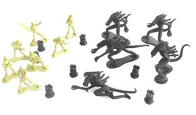 2004 Fox / Treehouse Kids ~ Aliens Movie ~ ALIEN & MARINES ~ Figures / Figurines