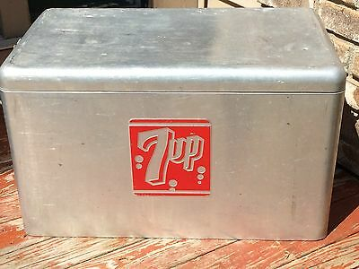 Vintage 7 Up Metal Aluminum Cooler Ice Chest *read*