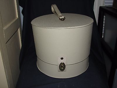 Vintage Hollywood Everbest White Vinyl Wig Hat Box Case Carrier