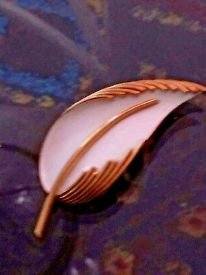 White enameled gold tone Vintage Trifari signed pin/brooch