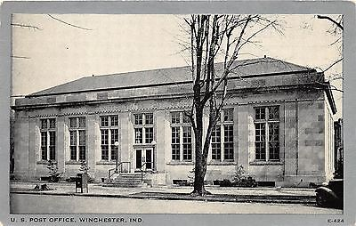 WINCHESTER INDIANA US POST OFFICE CLEAR VIEW POSTCARD 1930s