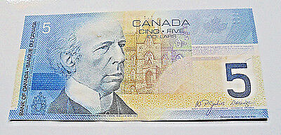 1 new Bank of Canada $5 Uncirculated Note, Canadian Bill Paper Money, Year 2004