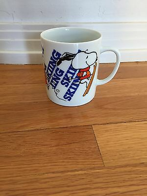 Vintage Peanuts Snoopy Skiing Coffee Tea Mug Cup MINT