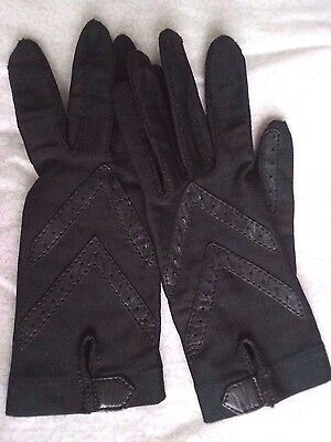 Isotoner One Size Ladies Gloves Knit and Leather Driving