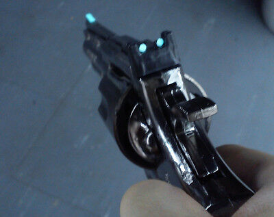 Revolver Lighter & Glow Night Sight model gun Colt Python 357 lifesize magnum