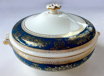 "Wedgwood COLUMBIA – BLUE AND GOLD R4509 Round Covered Vegetable Bowl 8 ""MINT Con"