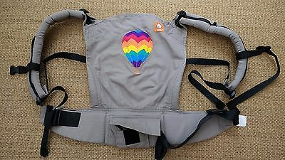 Tula Baby Carrier, Hot Air Balloon, with newborn booster, excellent condition