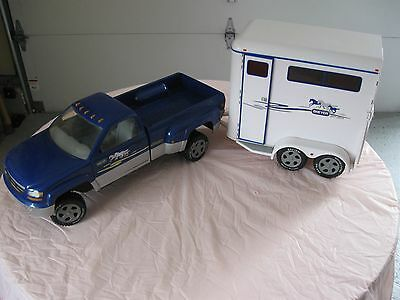 Breyer Horse Traditional Series Two-Horse Trailer and  Pickup Truck (Blue)