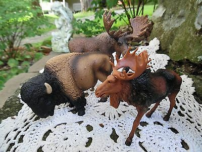 Lot Of 3 Schleich Germany Am Limes 69 Marked On Bison & On 1 Of The Two Moose