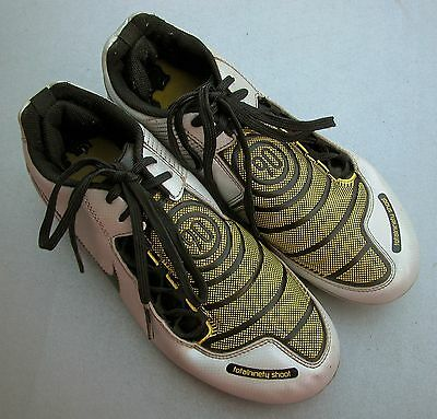 NIKE (US6Y UK5.5) TOTALNINETY Soccer/Football/ Footy Cleats Boots (moulded) EC