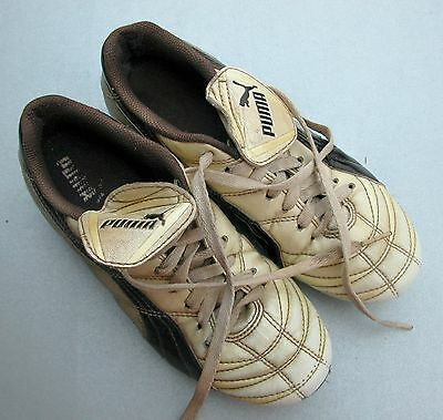 * PUMA* (UK 4 / US5) Kids Soccer / Football / Footy Cleats Boots Shoes (moulded)