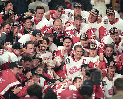 Detroit Red Wings 1997 Stanley Cup Champions 8x10 Photo
