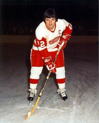 Marcel Dionne Detroit Red Wings Unsigned 8x10 Photo