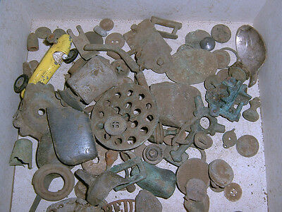 1kg mixed metal detecting finds, uncleaned