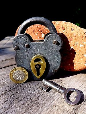 Antique Vintage Padlock with one key, working order, hobby, collector 25-01