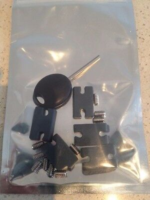 FCS 2 compatible insert kit - 10 screws, fin key and silicon inserts