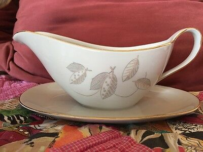 Vintage China Gravy Boat Wintering Bavaria pattern WIG 260 leaves and gold trim