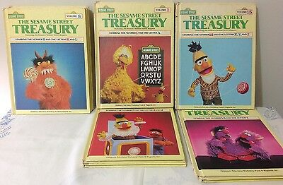 SESAME STREET 1983 COMPLETE 15 Volume Treasury! !