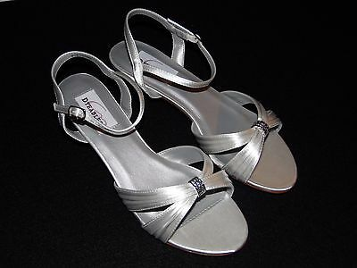 Women's DYEABLES SHOES - Style  Fiesta White Satin 8.5 NWB