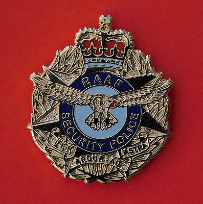 Raaf Security Police Lapel Badge Enamel & Gold Plated 25Mm High With 1 Pin