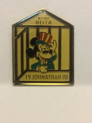 Rare Vintage Masonic Shriner Free Accepted Masons Lapel Pin Disney Mickey Mouse