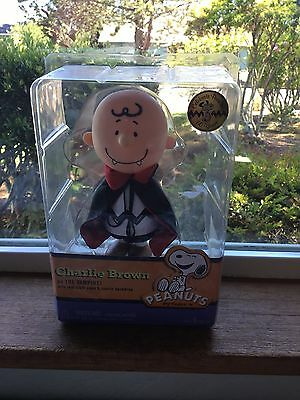 Peanuts  The Great Pumpkin Charlie Brown Vampire Halloween  Figure