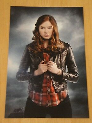 Doctor Who Printed Postcard ~ Amy Pond - New