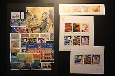Portugal: Lot postfrischer Briefmarken 1990 mit Blocks, KB und MH