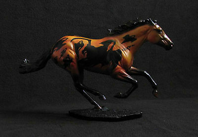 Breyer Traditional PHANTASMA 2005 Halloween Horse #710005