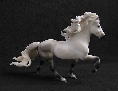 Breyer Traditional ELSKA Icelandic Horse 1731 Limited Edition