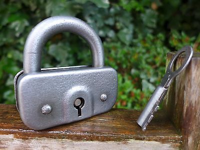 Antique Vintage Padlock with one key, working order, collector, hobby 06-02