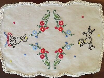 Gorgeous Vintage Linen Embroidered Poodle Dog centrepiece doily Unused Exc