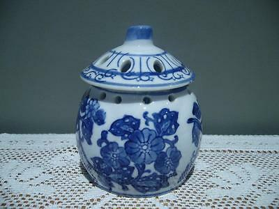 Vintage Oriental Small Blue And White Pot Pourri  Jar - Decorator Item  - Vgc