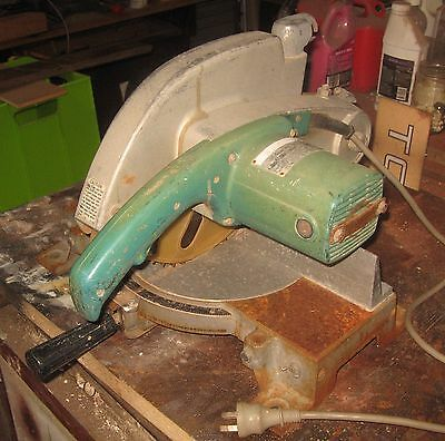 A MAKITA 255mm MITRE / DROP SAW : FREIGHT AVAILABLE!