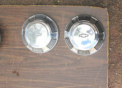 Vintage 1969 Chevy Hubcap Hub Cap Dog Dish Set Of 2 Very Good Condition