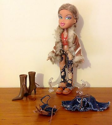 FIANNA Wild West BRATZ Doll with accessories Incomplete