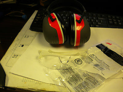 3M Peltor Ear Muffs/with Sceure Fit Clear Safety Glasses X3A 93725