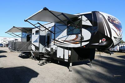 Cyclone 4250 HD Edition 5th Wheel Toy Hauler Camper Wholesale Pricing
