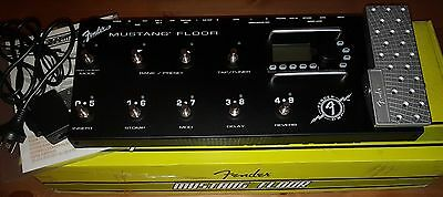 Fender Mustang Floor Amp Modeller and Multi Effects Pedal Board